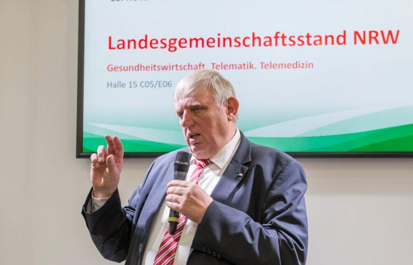 """Karl-Josef Laumann, Minister für Arbeit, Gesundheit und Soziales des Landes Nordrhein-Westfalen, eröffnet den neuen Leitmarktwettbewerb """"Gesundheit NRW"""""""