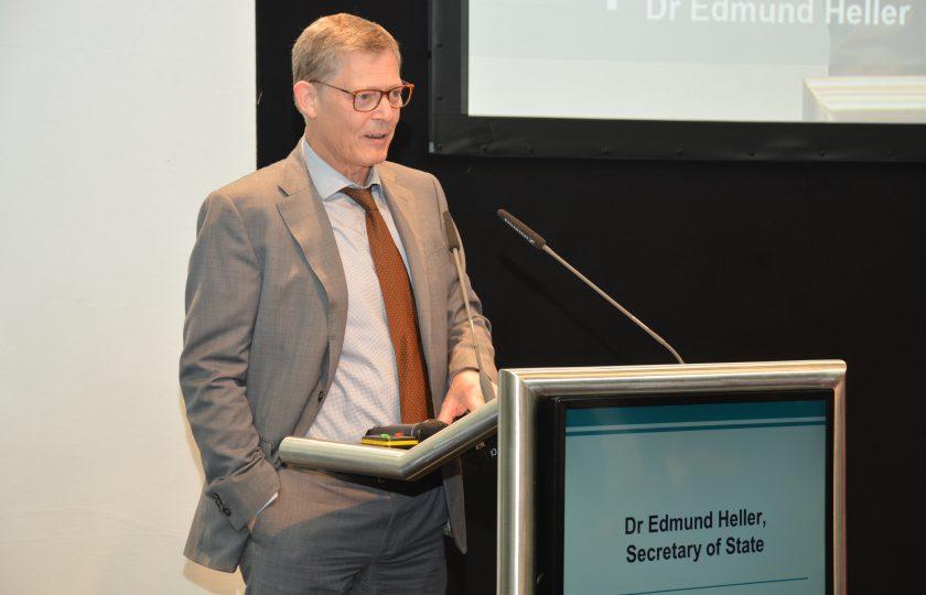 Dr. Edmund Heller, Staatssekretär des nordrhein-westfälischen Ministeriums für Arbeit, Gesundheit und Soziales
