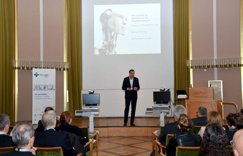 Christian Baudis, Digital-Unternehmer und ehemaliger Chef von Google Deutschland, bei seinem Vortrag über aktuelle Entwicklungen bei der Digitalisierung. (Foto: ZTG)