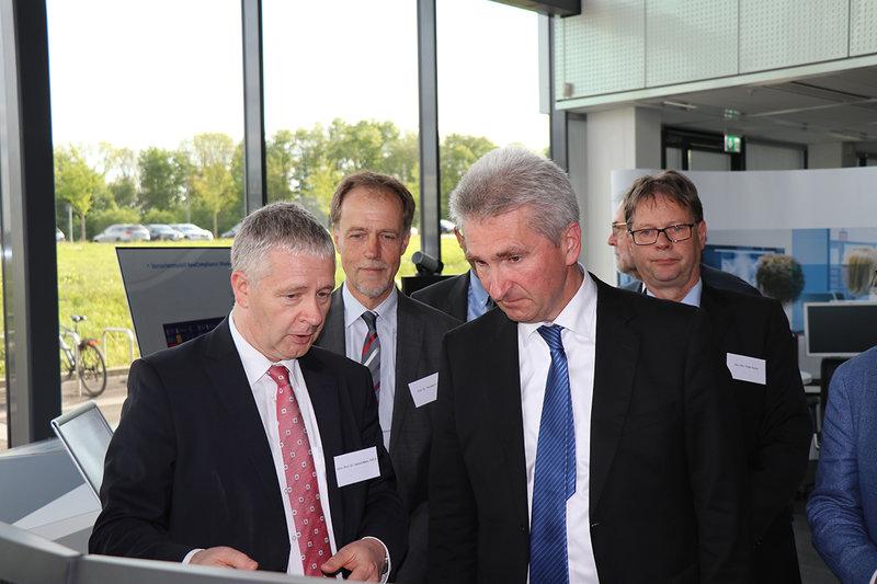 Prof. Marx, Prof. Ittel, Prof. Pinkwart und Peter Asché (v. l.) bei der Eröffnungsfeier am 2. Mai 2018.
