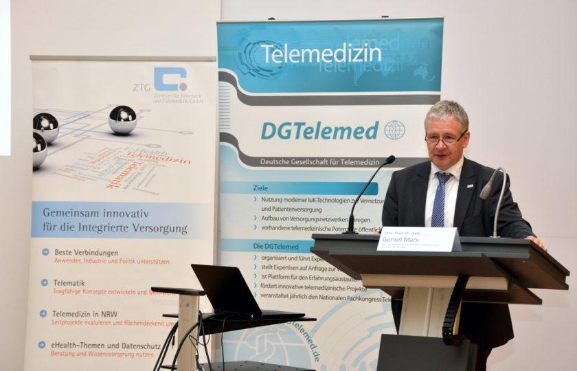 Univ. Prof. Dr. med. Gernot Marx, FRCA, DGTelemed e. V., begrüßt als einer der Veranstalter des Fachtagung die Teilnehmerinnen und Teilnehmer.