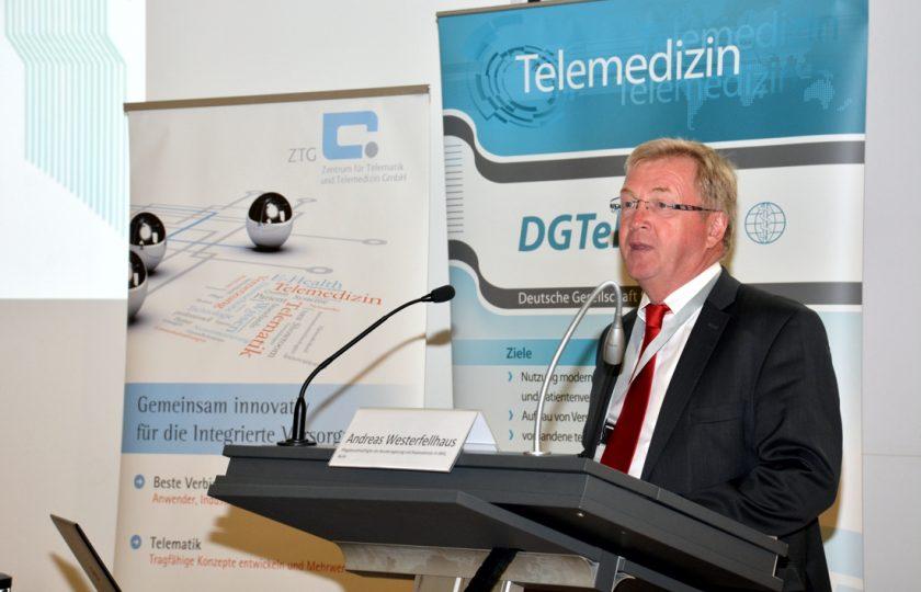 Andreas Westerfellhaus, Pflegebevollmächtigter der Bundesregierung und Staatssekretär im BMG, referierte über die Möglichkeit der Telemedizin im Bereich der Pflege.