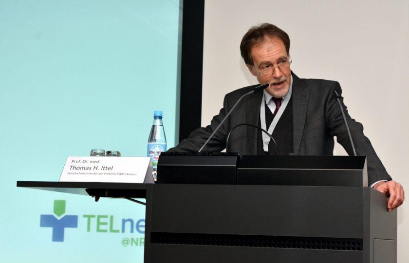 Prof. Dr. med. Thomas H. Ittel, Vorstandsvorsitzender der Uniklinik RWTH Aachen, eröffnet den 2. TELnet@NRW-Kongress.