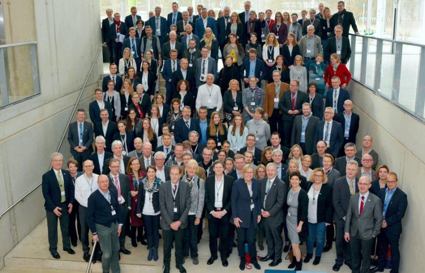 Die Teilnehmenden des 2. TELnet@NRW-Kongress