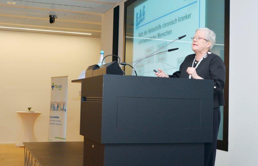 Birgit Dembski, BAG Selbsthilfe referierte aus Sicht von Patientinnen und Patienten über die Vorteile vom Einsatz telemedizinischer Anwendungen.