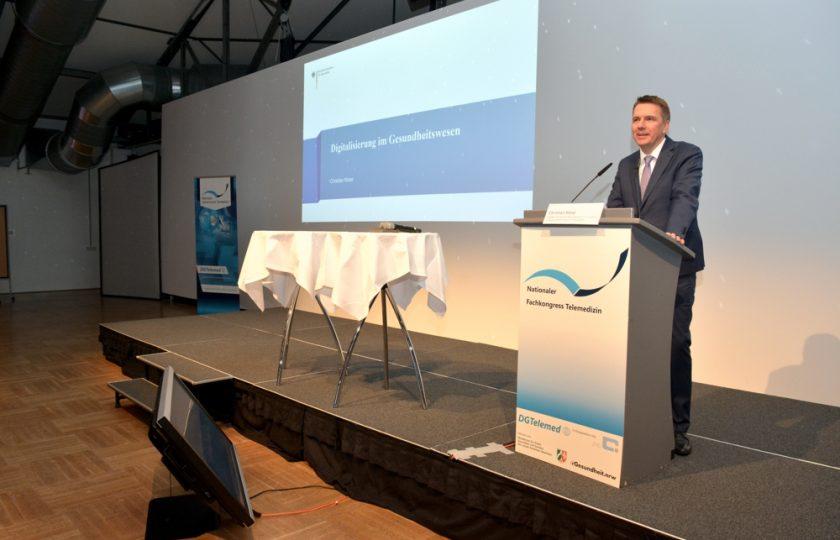 Christian Klose, Abteilung für Digitalisierung im Bundesministerium für Gesundheit, bei seinem Vortrag zur Digitalisierung im Gesundheitswesen.