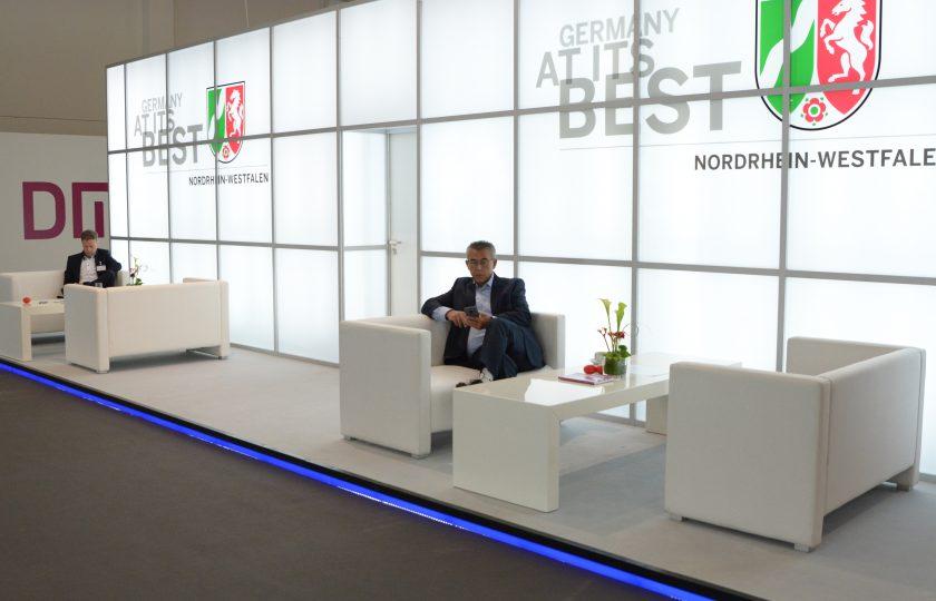NRW Gemeinschaftsstand DMEA Lounge