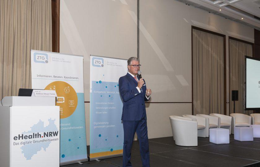 Beigeordneter Prof. Dr. Andreas Meyer-Falcke, Gesundheitsdezernent der Stadt Düsseldorf.