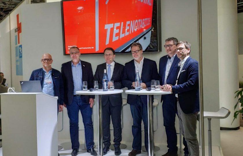 Am Landesgemeinschaftsstand Nordrhein-Westfalen diskutierten Akteure des Gesundheitswesens den Einsatz des Telenotarztes und dessen positive Wechselwirkung mit dem Notfallsanitäter.