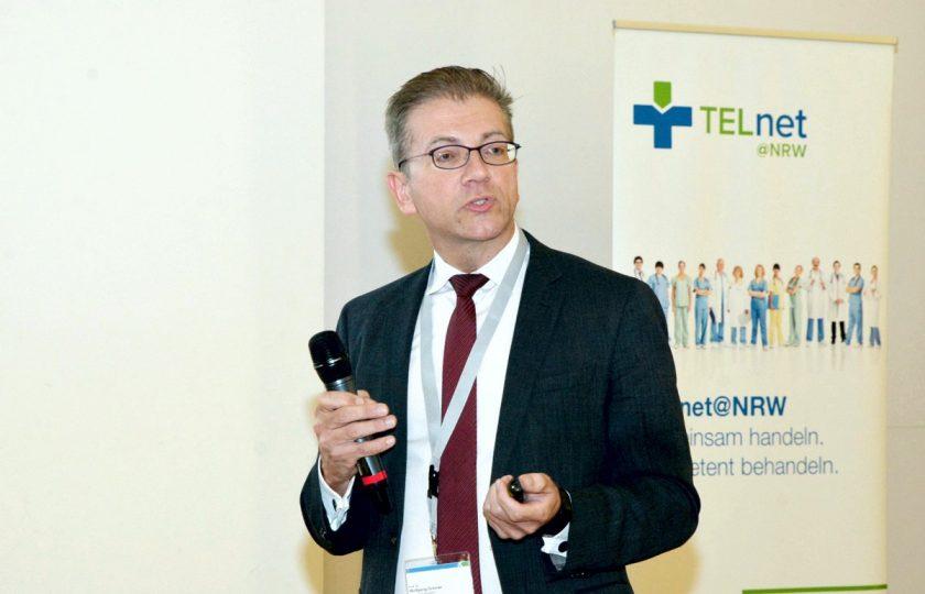Prof. Dr. Wolfgang Greiner, Inhaber des Lehrstuhls für Gesundheitsökonomie und -management an der Universität Bielefeld, stellte erste Ergebnisse zum Projektabschluss vor.